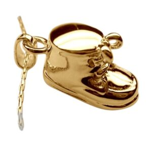 A keepsake such as a baby keepsake pendant will keep comfort close at all times