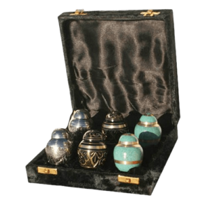 Cremation urn size options can allow families to not only store, but also share the ashes.