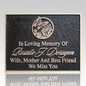 Memorial plaques offer a way of capturing the memories of a lifetime